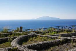 Damecuta: Roman villa ruins overlooking the sea