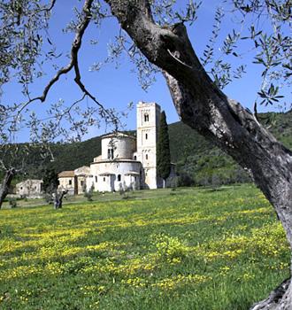 Locanda dell'Amorosa - Itinerary: L'Amorosa - Montalcino - Abbazia di Sant'Antimo