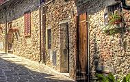 Wandering around L'Amorosa