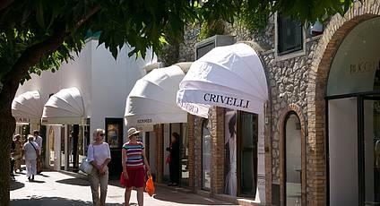 Capri - Shopping in centro e un tuffo a Marina Piccola