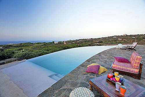 Buy a luxury apartment in Pantelleria