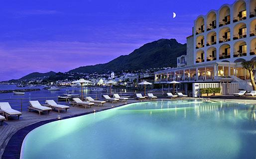 L 39 albergo della regina isabella lacco ameno ischia e for Design hotel 5 stelle