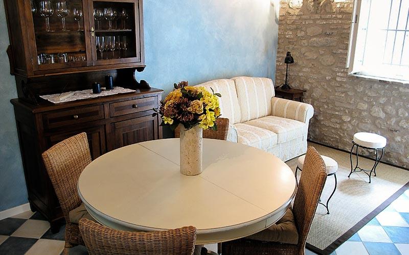 Le case antiche verucchio e 22 hotel selezionati nei for Ville antiche interni