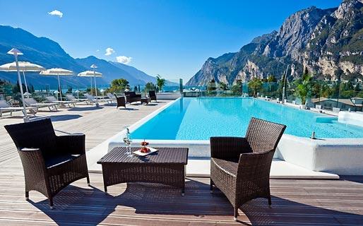 Hotel kristal palace riva del garda and 33 handpicked hotels in the area - Hotel lago garda piscina coperta ...