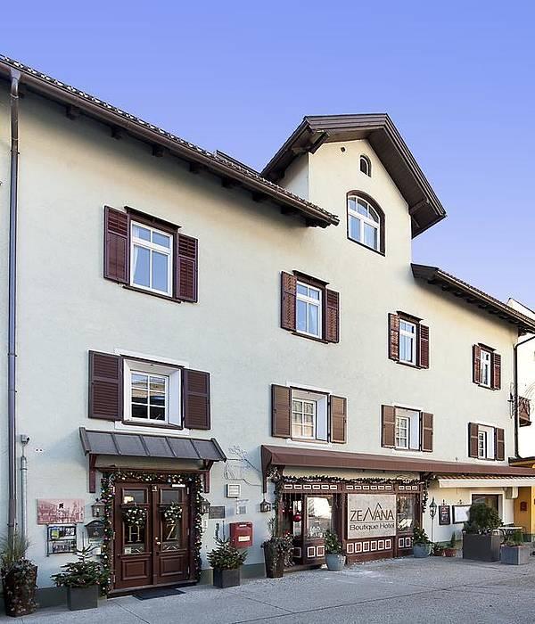 Foto e immagini ortisei hotels photogallery for Boutique hotel ortisei