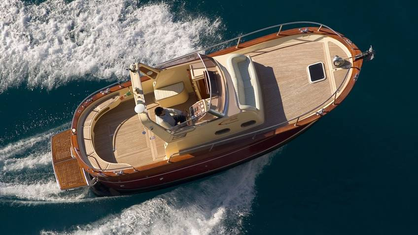 Joe Banana Limos - Boat Escursioni in mare Sorrento