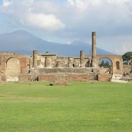 Astarita Car Service - Private Transfer Naples- Positano with stop Pompeii